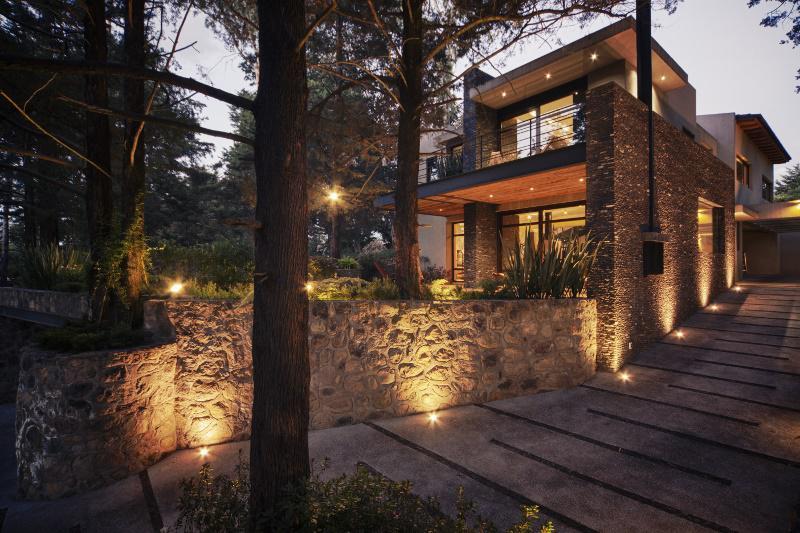 Foto Casa en Venta en  Club de Golf los Encinos,  Lerma  Club de Golf los Encinos, Lerma, Mex., residencia con premios de arquitectura en venta