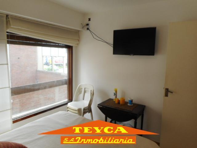 Foto Departamento en Venta en  Centro,  Pinamar  Gaviotas 10 Esq. Gaviotas