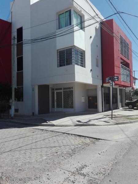 Foto Departamento en Venta en  Capital ,  Neuquen  MORITAN