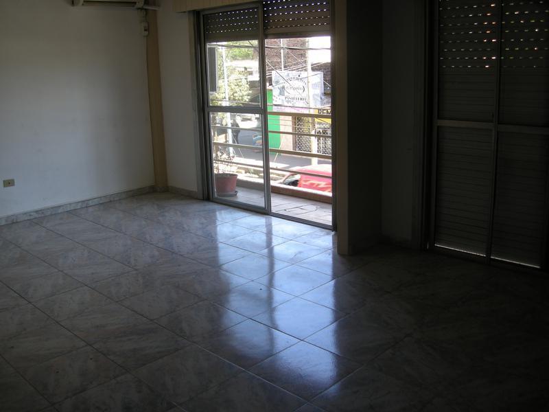 Foto Oficina en Alquiler en  Esc.-Centro,  Belen De Escobar  Tapia de Cruz 82 planta alta ofc. 3