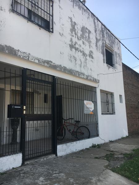 Foto Departamento en Alquiler en  Sarmiento (Lujan),  Lujan  Montevideo Nº 1525 Depto 3