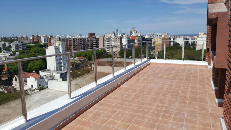 Foto Departamento en Venta en  Punta Carretas ,  Montevideo  Penthouse en Punta Carretas con RENTA