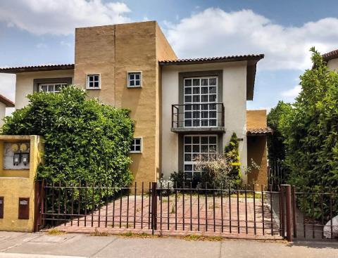 Foto Casa en Venta en  Villas del Campo,  Calimaya  Remate Bancario en Villas del Campo