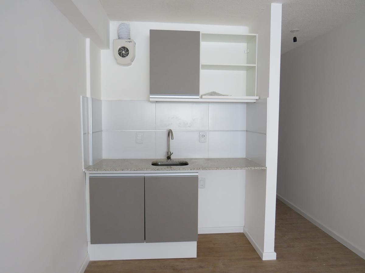 Foto Apartamento en Venta en  Centro (Montevideo),  Montevideo  Río Negro esquina 18 de julio Unidad al 700
