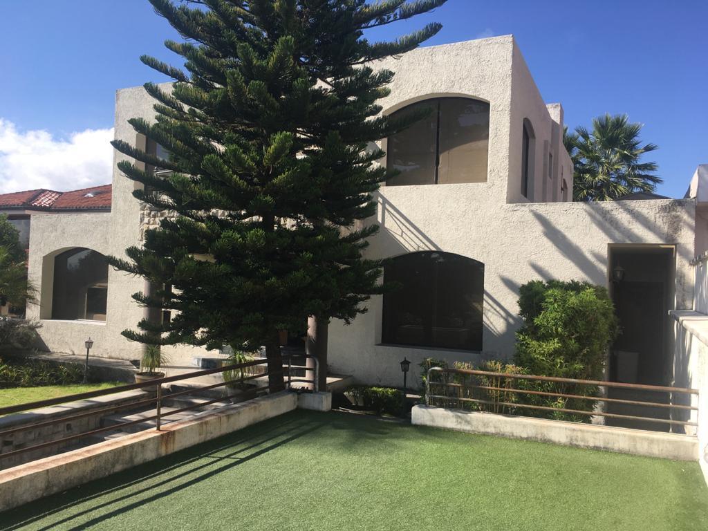 Foto Casa en Alquiler en  Cumbayá,  Quito  Sector Colegio Alemán, Urbanización Florencia