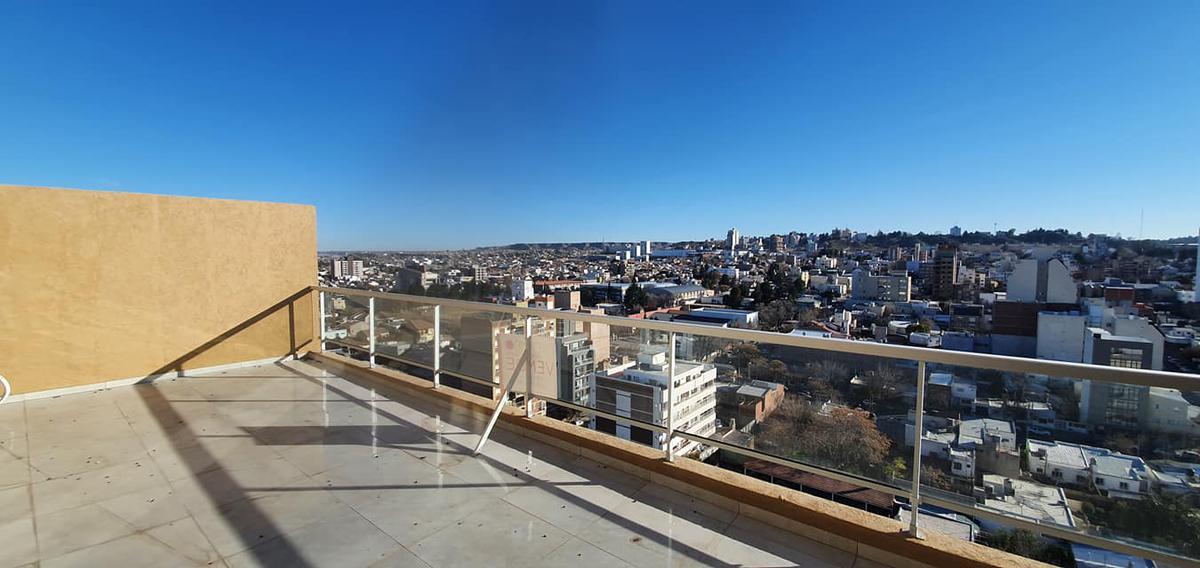 Foto Departamento en Venta en  Capital ,  Neuquen  A estrenar dos plantas con increíble terraza