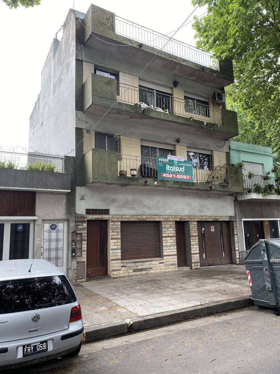 Foto Casa en Venta en  Villa del Parque ,  Capital Federal  SANTO TOME 2615/17