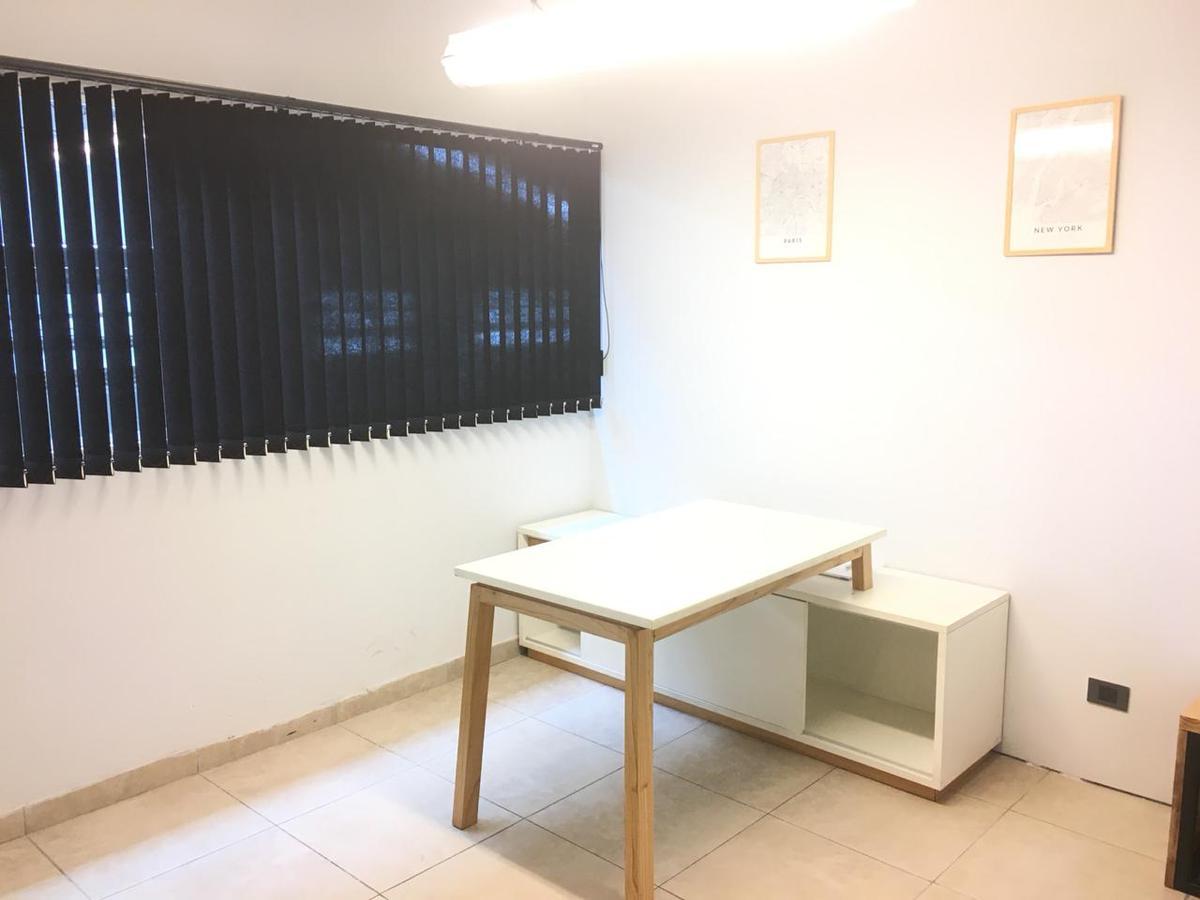 Foto Oficina en Alquiler en  Ituzaingó Norte,  Ituzaingó  Galpon Atacama
