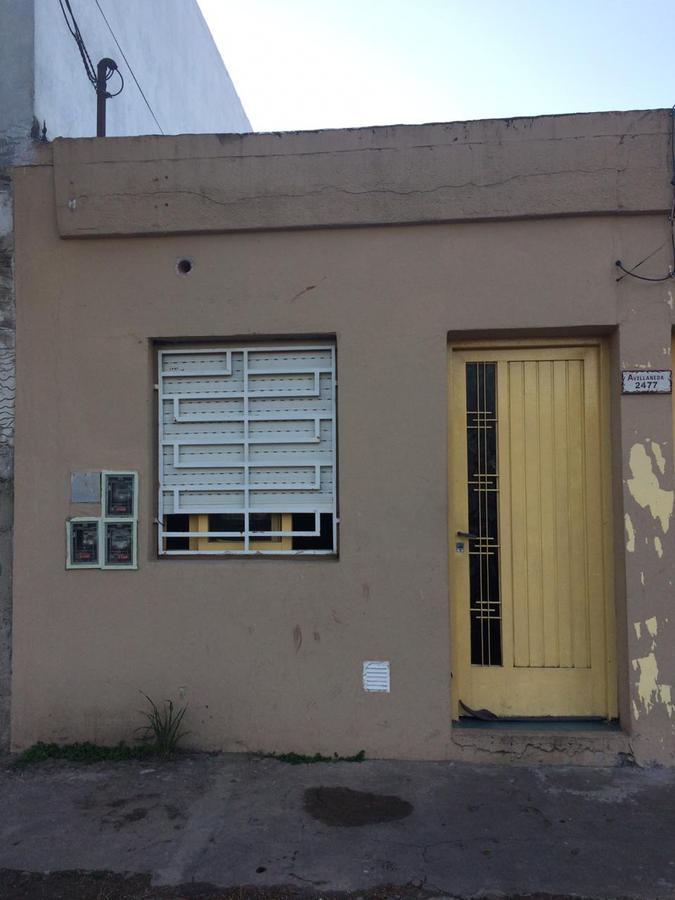 Foto PH en Venta en  Moron ,  G.B.A. Zona Oeste  Moron