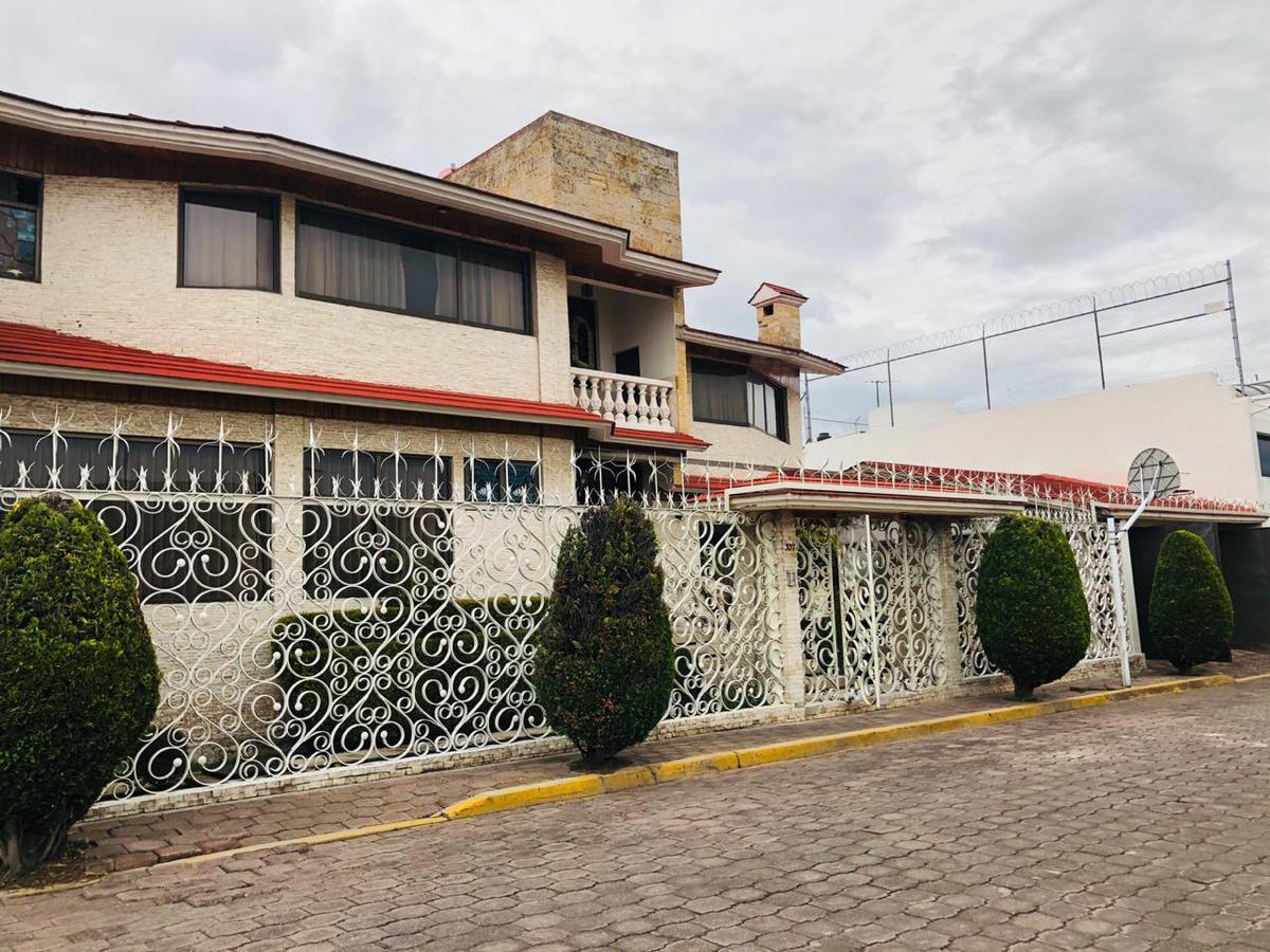 Foto Casa en Renta en  Toluca ,  Edo. de México  CASA EN VENTA O RENTA TOLUCA