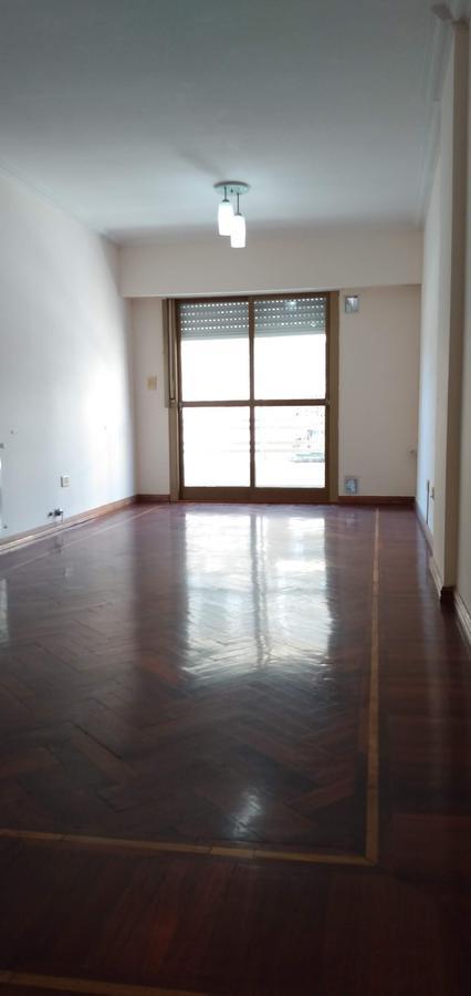 Foto Departamento en Alquiler en  Centro,  Rosario  2 dormitorios con cochera - Maipu 1143 03-02