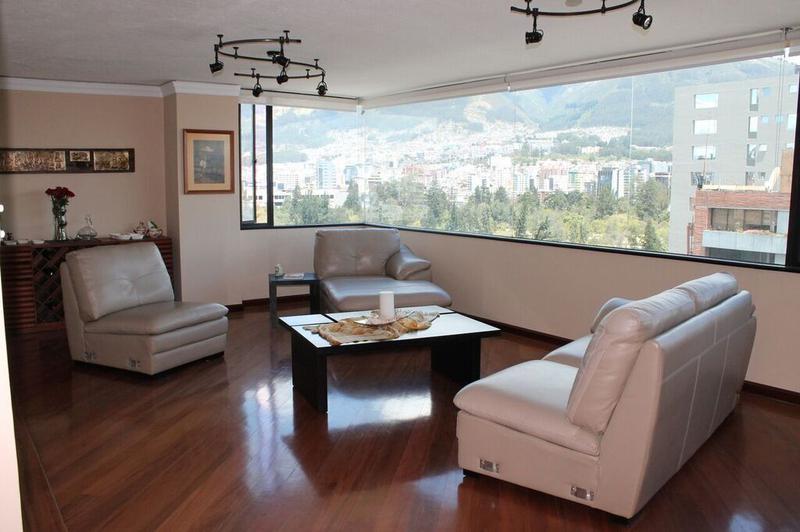 Foto Departamento en Venta en  Norte de Quito,  Quito  SECTOR LA CAROLINA SE VENDE HERMOSO PENTHOUSE CON UNA LINDA VISTA