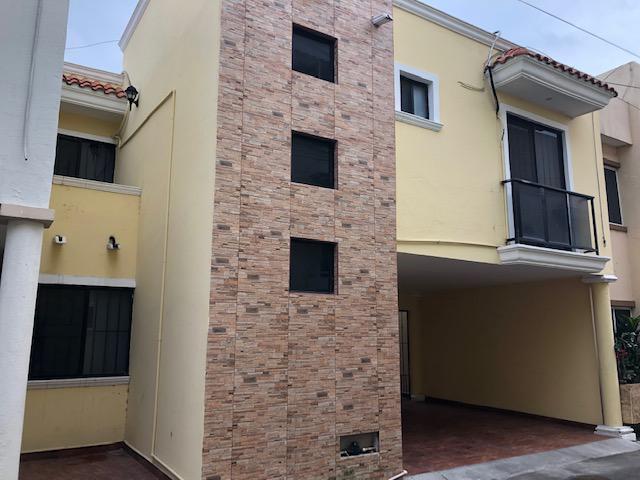 Foto Casa en Venta en  Ciudad Madero ,  Tamaulipas          EXCELENTE CASA CERCA CENTRO DE CD. MADERO