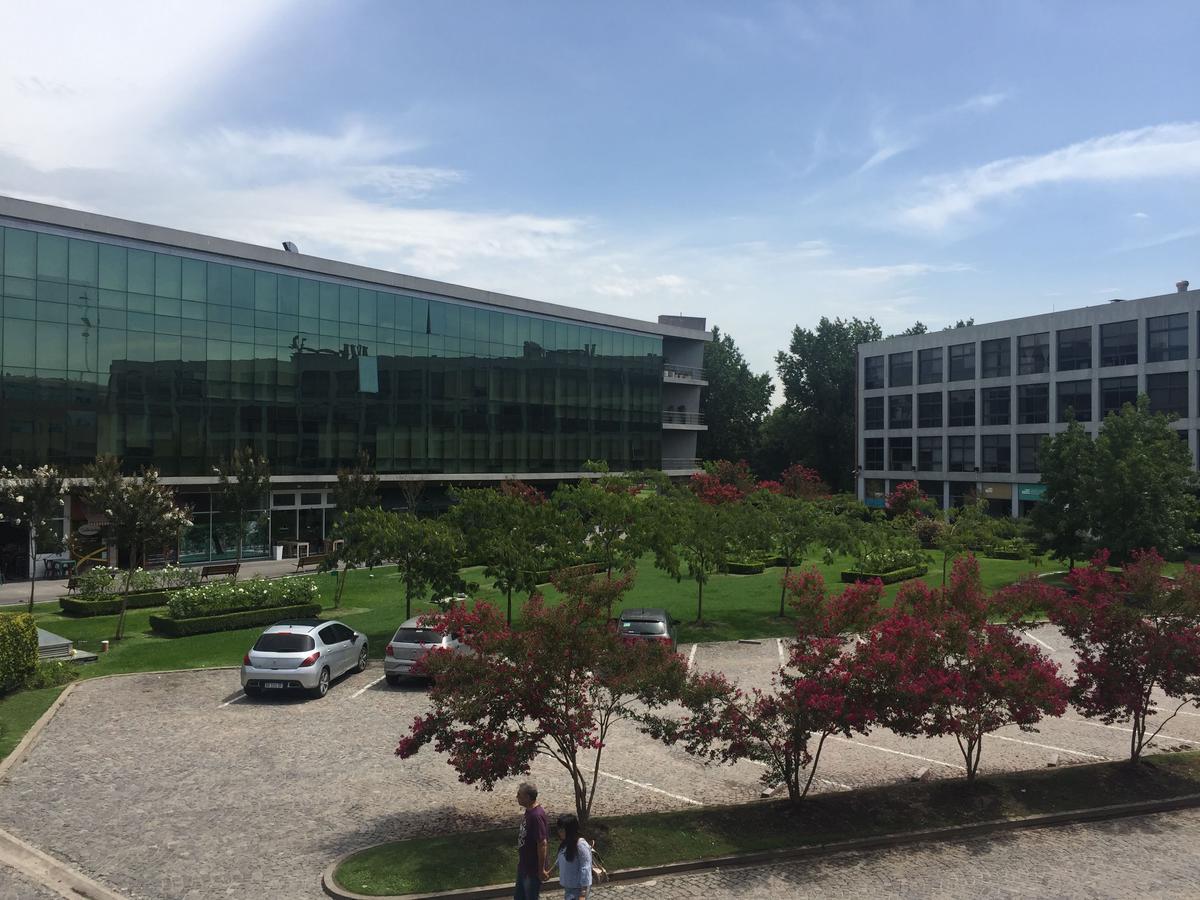 Foto Oficina en Venta en  Manuel Alberti,  Pilar  Office Park - Edificio Plaza - Las Camelias al 3100