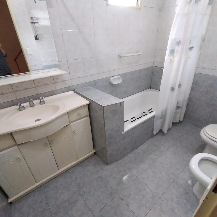 Foto Casa en Venta en  Wilde,  Avellaneda  Martin Fierro 75