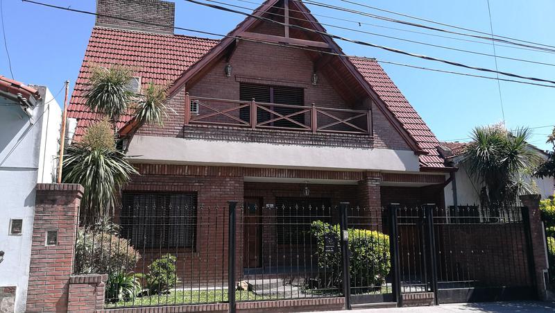 Foto Casa en Venta en  Moron Sur,  Moron  Huaura al 300