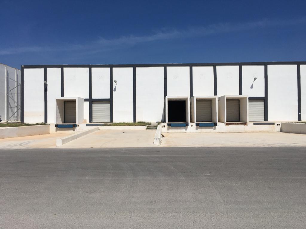 Foto Bodega Industrial en Renta en  Pueblo Teya,  Teya  Bodega Industrial en periférico salida a carretera Mérida-Cancun de 1200 m² de 20x60,  21 m² de oficinas,  con 2  andenes de descarga propios, con caseta de vigilancia