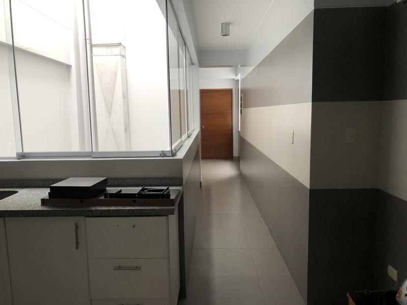 Foto Departamento en Venta en  San Isidro,  Lima  Avenida LAS FLORES