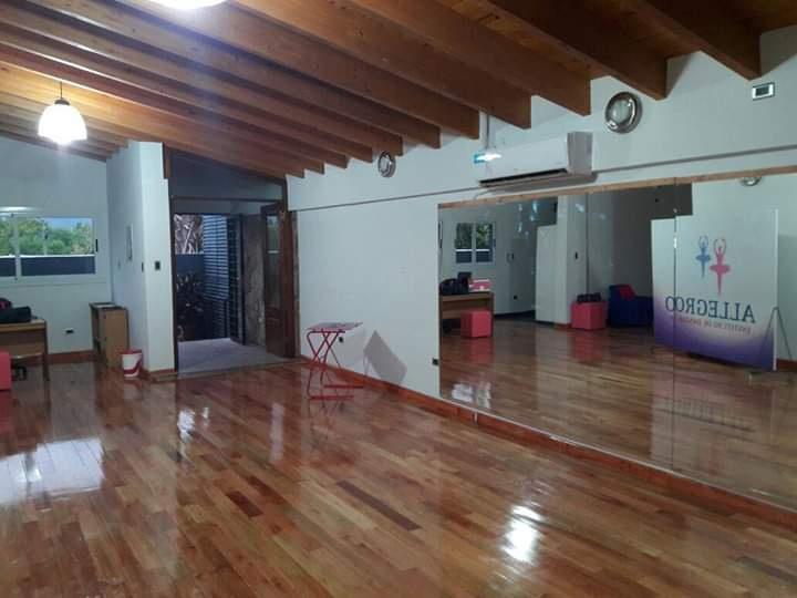 Foto Local en Alquiler en  Rivadavia ,  San Juan  Cabaña esquina los tilos - 1er piso