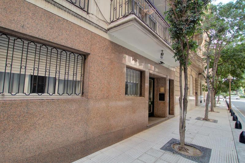 Foto Departamento en Alquiler en  Retiro,  Centro (Capital Federal)  Sargento Cabral 800