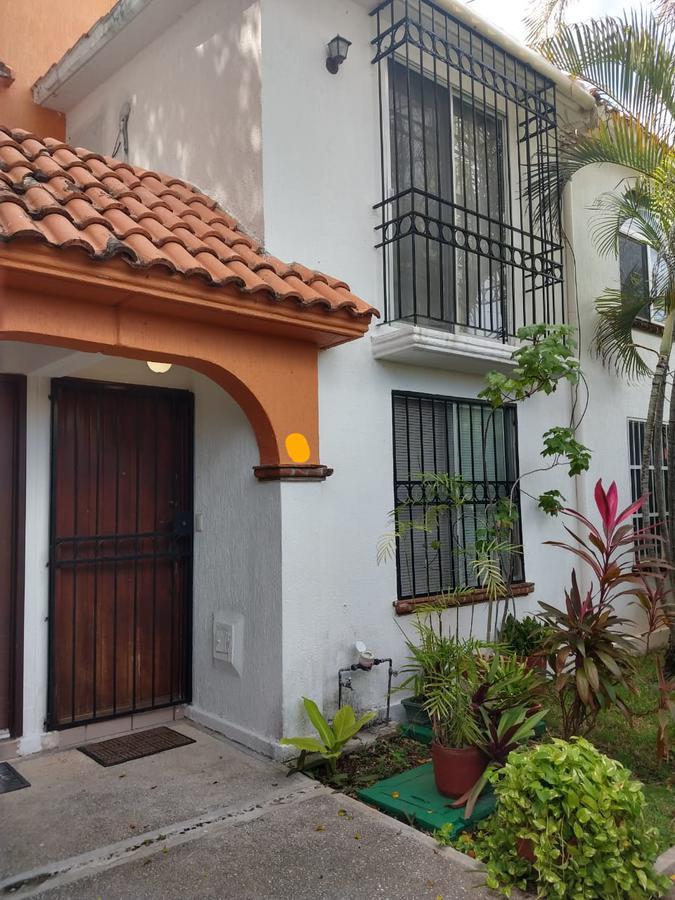 Foto Casa en Renta en  Supermanzana 15a,  Cancún  CASA AMUEBLADA EN RENTA EN CANCUN EN SUPERMANZANA 15