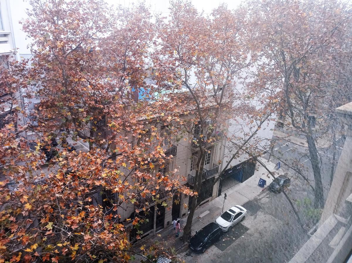 Foto Apartamento en Alquiler en  Centro (Montevideo),  Montevideo  Florida al 1200