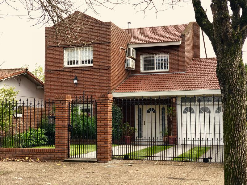 Foto Casa en Venta en  Monte Grande,  Esteban Echeverria  Valentin Alsina 63
