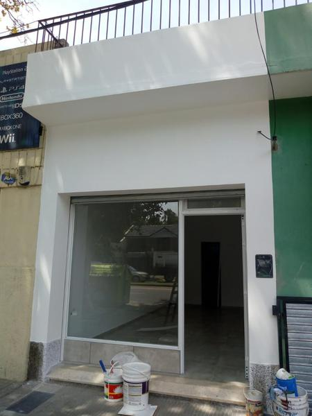Foto Local en Alquiler en  Echesortu,  Rosario  AVENIDA PELLEGRINI al 3900