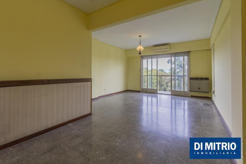 Foto Departamento en Venta en  Barracas ,  Capital Federal  Alvarado y Av. Velez Sarsfield