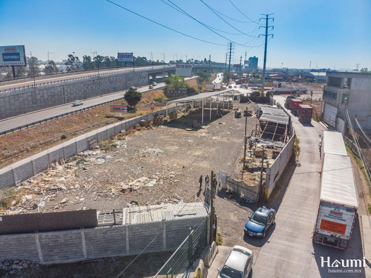 Foto Terreno en Venta en  Cuautlancingo ,  Puebla  Lateral Autopista s/n Ocotlán