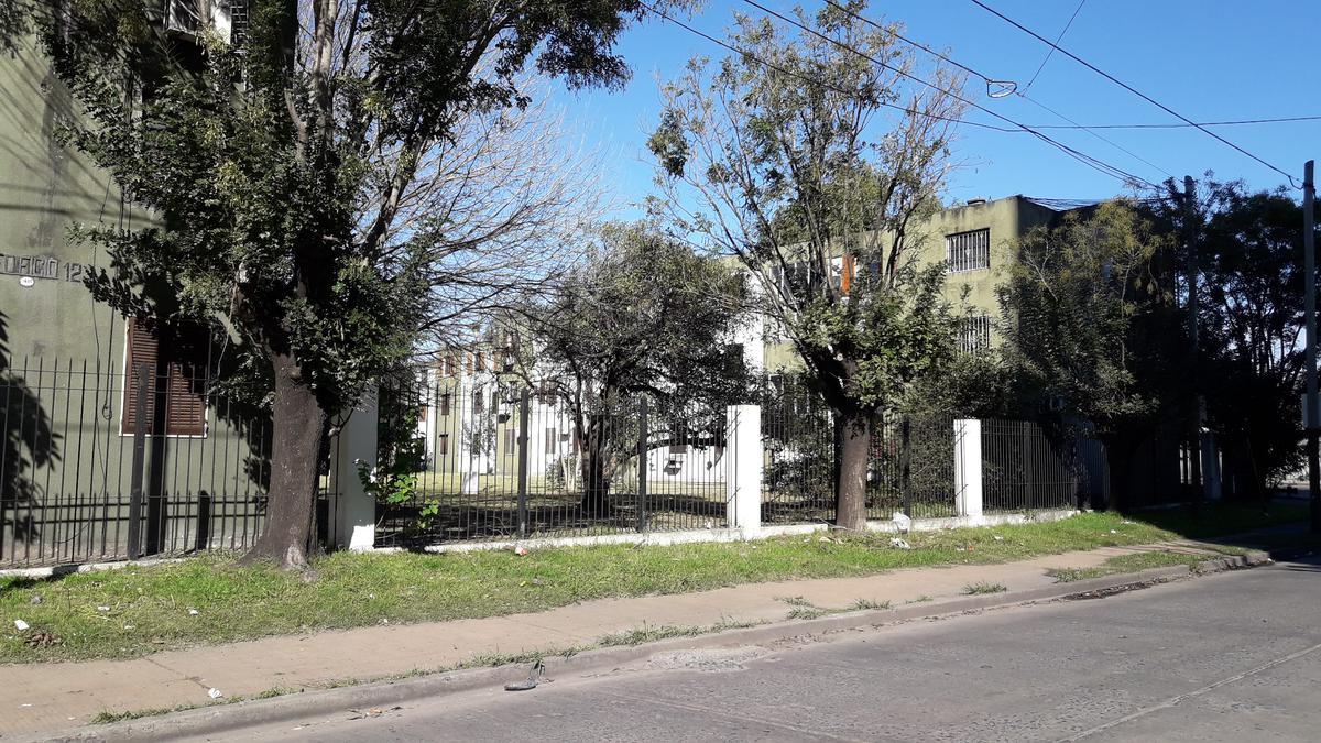 Foto Departamento en Venta en  Banfield Oeste,  Banfield  Av. Presidente Perón al 2500