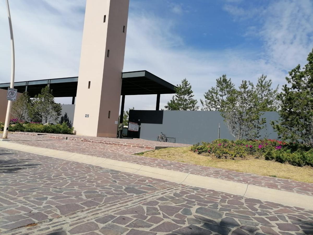 Foto Terreno en Venta en  La Campiña,  León  Terreno en VENTA en La Campiña frente a Pabellón