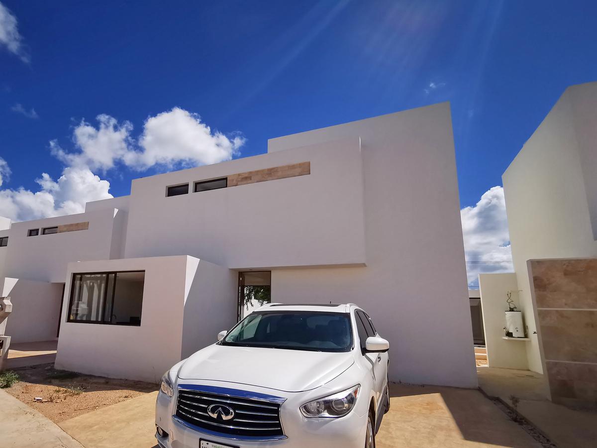 Foto Casa en Renta en  Conkal ,  Yucatán  Casa en renta en privada con seguridad, nueva y equipada!