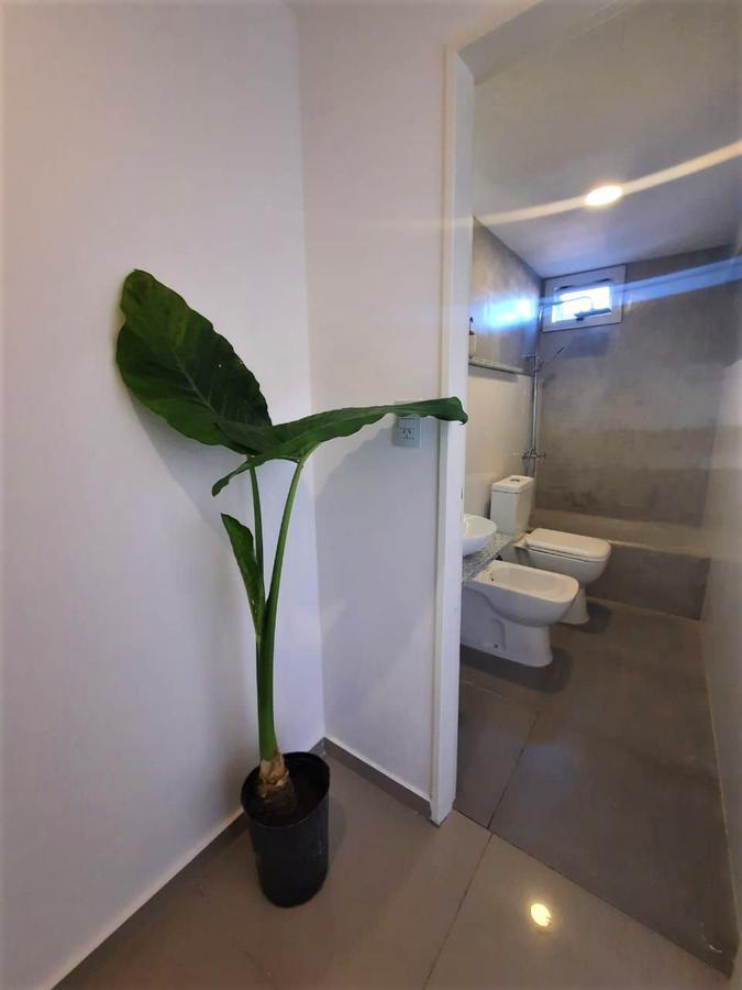 Foto Departamento en Venta en  Macrocentro,  Rosario  3 de Febrero 2039 04-03
