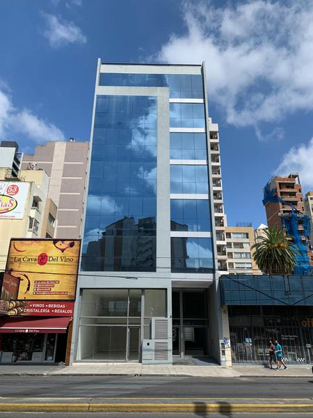 Foto Oficina en Alquiler |  en  Lomas de Zamora Oeste,  Lomas De Zamora  Av. H. Yrigoyen  9277 Oficinas 1ºB  2ºB  y 3º B