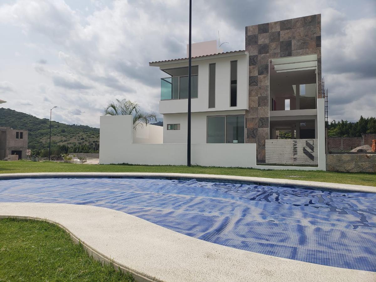 Foto Casa en Venta en  San Gaspar,  Ixtapan de la Sal  VENTA DE CASA EN IXTAPAN DE LA SAL, ESTADO DE MÉXICO, ESTRENE  HERMOSA RESIDENCIA EN RESIDENCIAL IXTAPAN