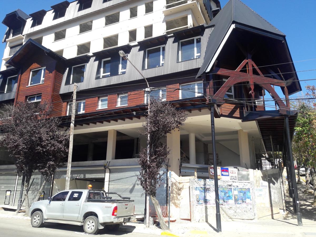 Foto Local en Alquiler en  Centro,  San Carlos De Bariloche  Elflein y Quaglia Local No 4
