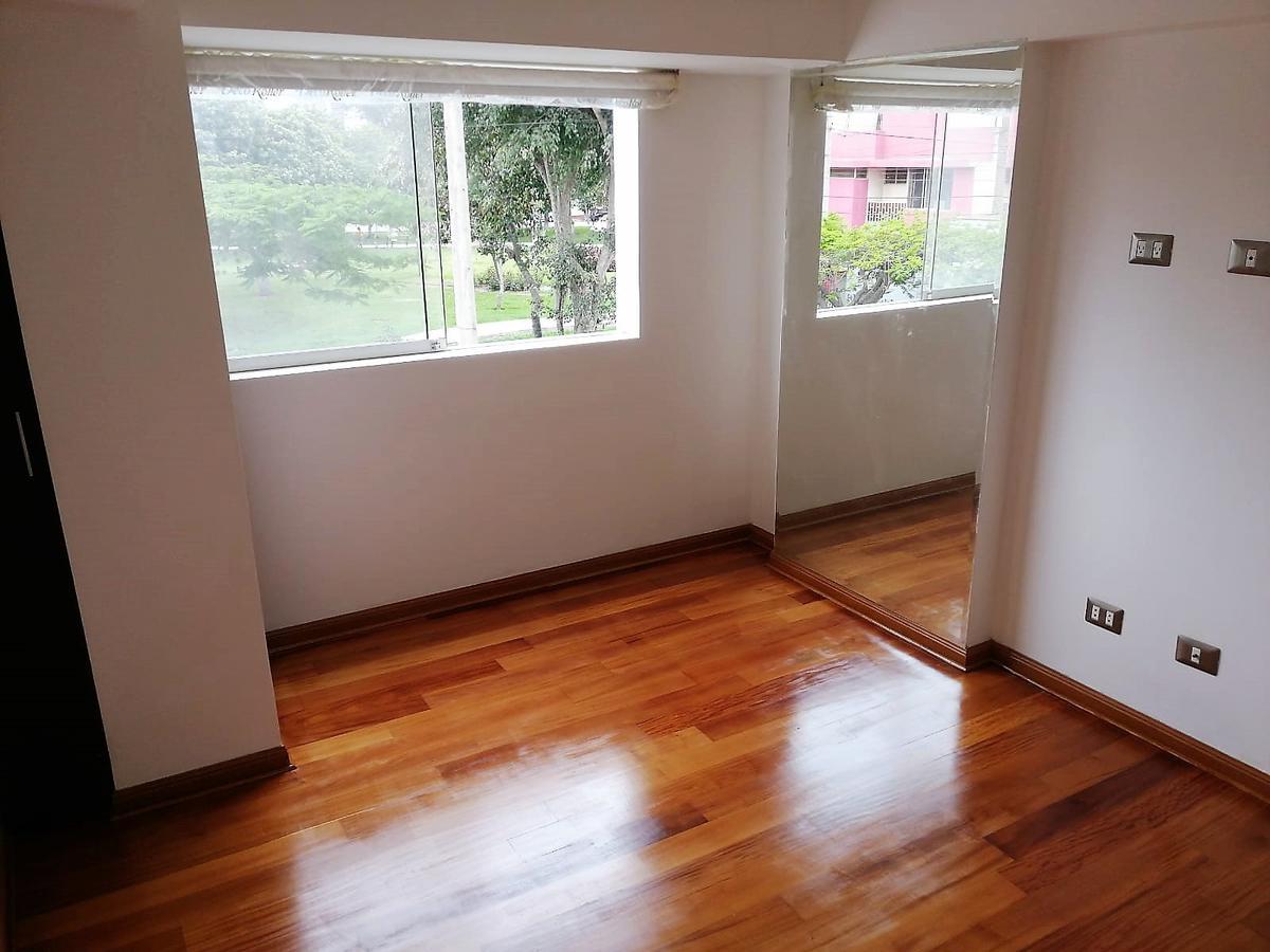 Foto Departamento en Venta en  Surquillo,  Lima  Calle Courbet 104 Surquillo