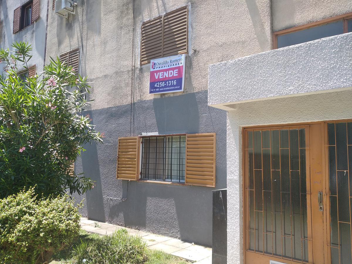 Foto Departamento en Venta en  Berazategui,  Berazategui  Monoblock Edificio 10 Depto. 1 C Barrio Juan El Bueno