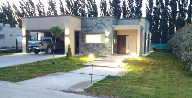 Foto Casa en Venta en  Neuquen,  Confluencia  Bo. La  Zagala