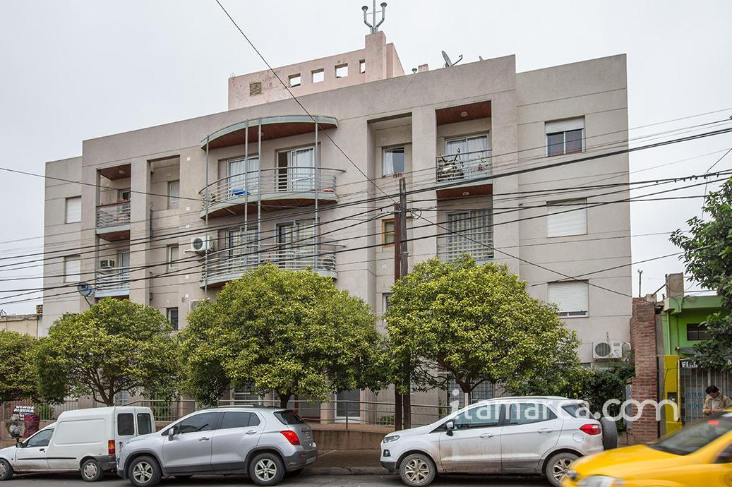 Foto Departamento en Alquiler en  Alberdi,  Cordoba  Caseros al 2200  - Dpto Alberdi Caseros 2275 1 dorm. Alquiler $6000
