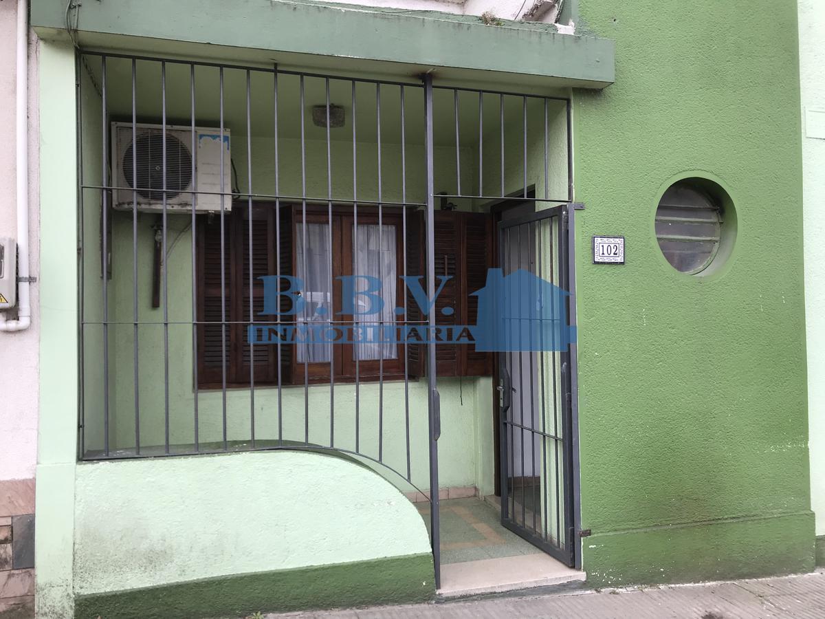 Foto Casa en Alquiler en  Colonia del Sacramento ,  Colonia  Casa en el centro 2 dormitorios