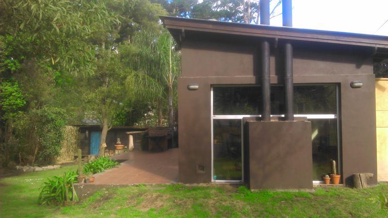 Foto Casa en Alquiler en  Bosque Peralta Ramos,  Mar Del Plata          Los Alacalufes esquina Yanquetruz
