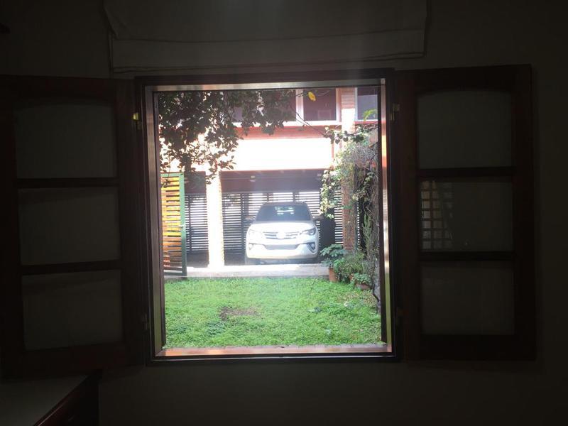 Foto Casa en Venta | Alquiler en  Capital ,  Tucumán  Chile al 600