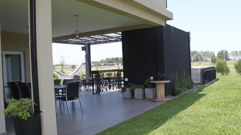 Foto Casa en Venta | Alquiler en  La Providencia,  Countries/B.Cerrado (Ezeiza)  Venta/Alquiler Anual- Casa en La Providencia