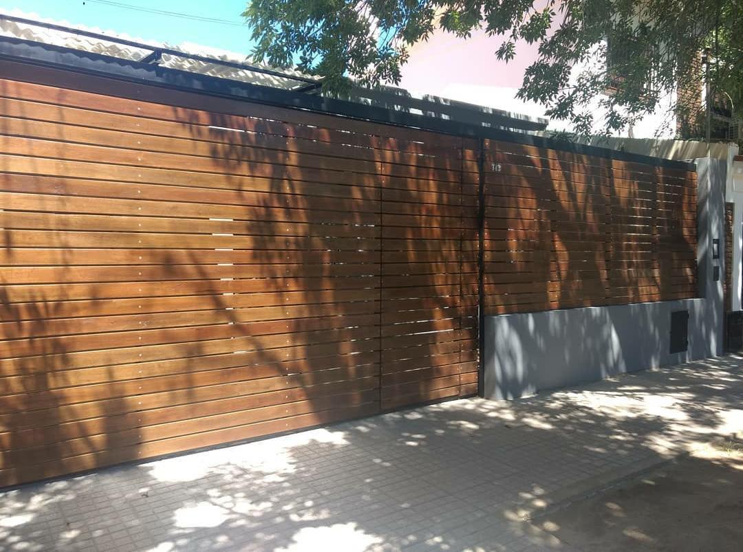 Foto Casa en Venta en  Alberdi,  Rosario  ARAOZ al 700