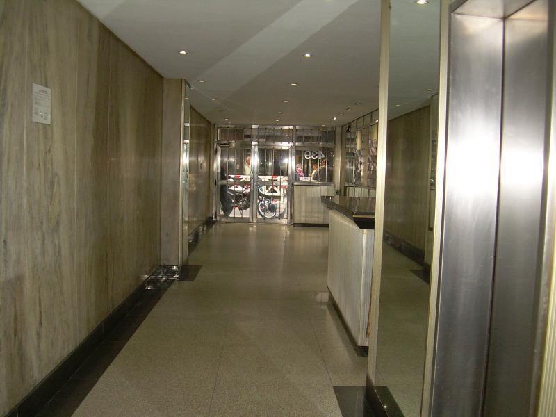 Foto Oficina en Alquiler en  Centro ,  Capital Federal  SAN MARTIN 400