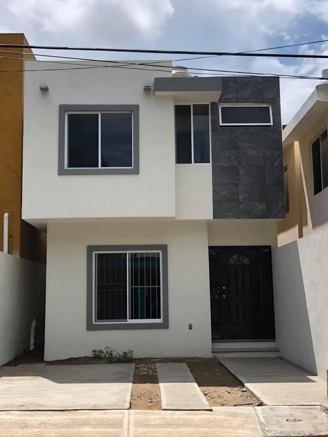 Foto Casa en Venta |  en  Magdaleno Aguilar,  Tampico  COL. MAGDALENO AGUILAR