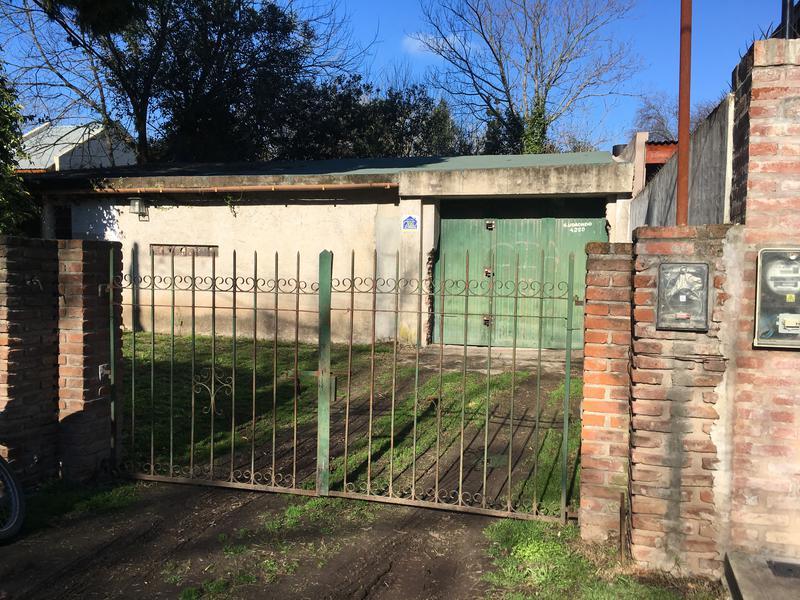 Foto Depósito en Alquiler en  Barrio Parque Leloir,  Ituzaingo  Udaondo al 4200