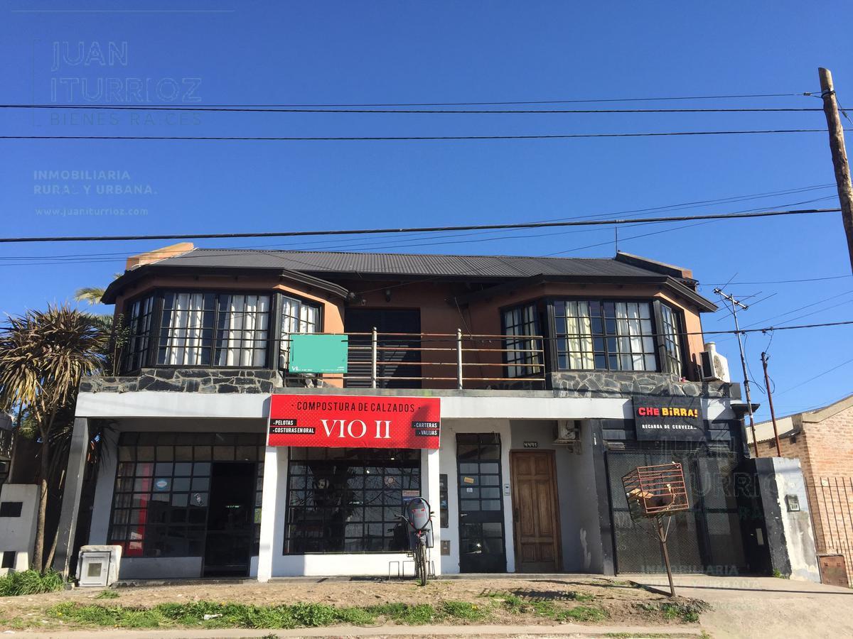Foto Casa en Venta en  Joaquin Gorina,  La Plata  485 entre 137 y 138